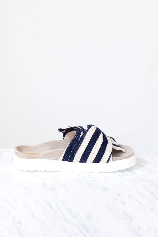 INUIKII Slipper Knot Striped Blue