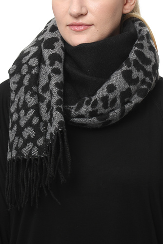 Tanja Leo Scarf Grey/black