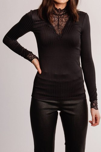 YAS Yasblace Highneck Top Black