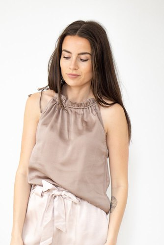 Neo Noir Paula Top Dusty Taupe
